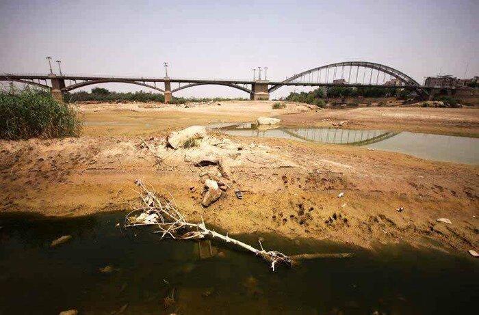 مختار :مجوز محیط زیستی پروژه انتقال آب خوزستان به صورت محرمانه صادر شد