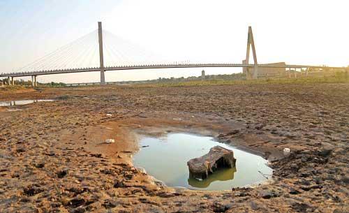 خوزستان قربانی توسعه یا استخراج نفت؟ /هورالعظیم یک شبه احیا نمی شود؛ خطر بی آبی هنوز در کمین است.